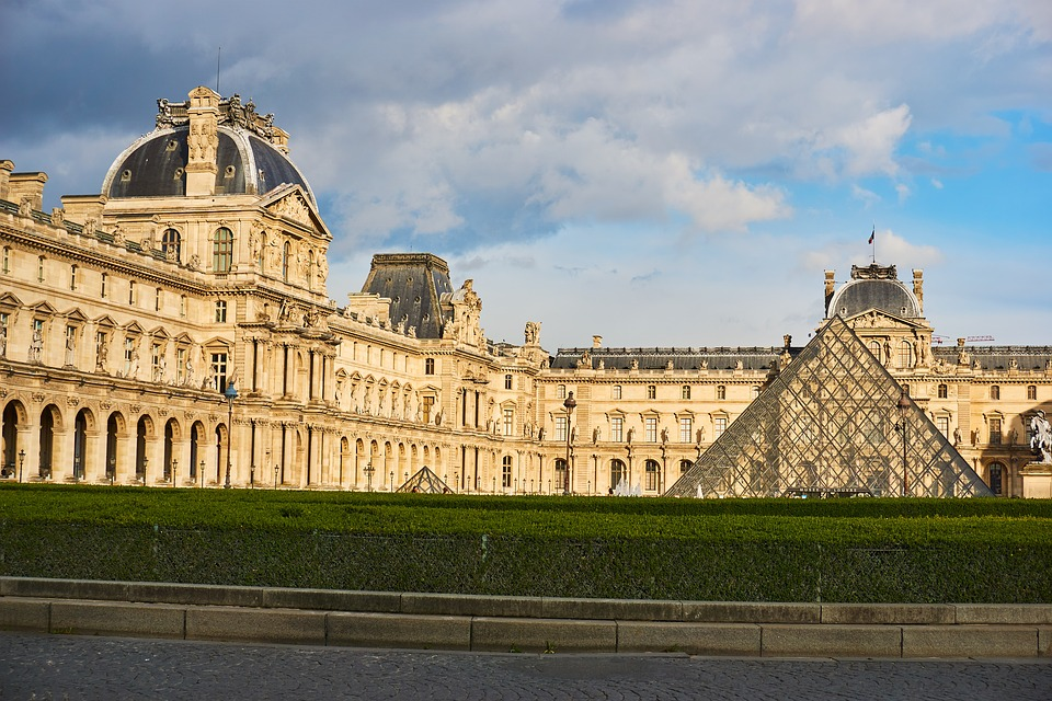 Le Louvre Paris